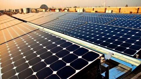 PLN Harap Industri tak Beralih ke <i>Rooftop Solar</i>