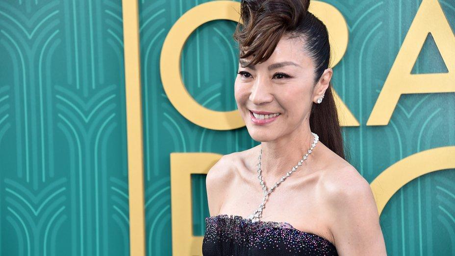 Keluarga Crazy Rich Asians Reuni di Film Last Christmas
