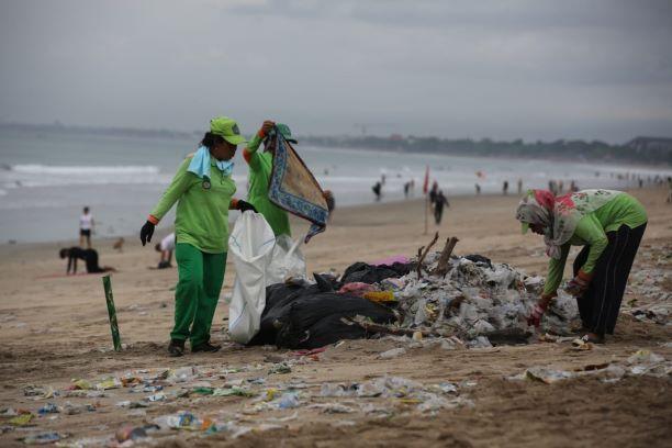 Edukasi Bahaya Sampah Plastik Masuk Kurikulum