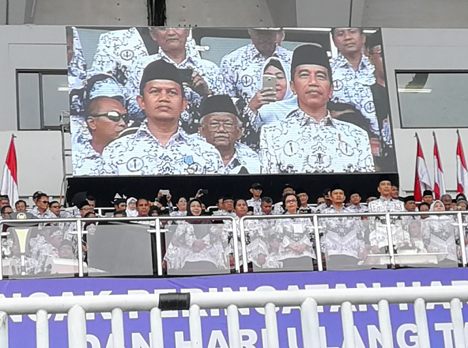 PGRI 'Todong' Kabar Gembira ke Jokowi