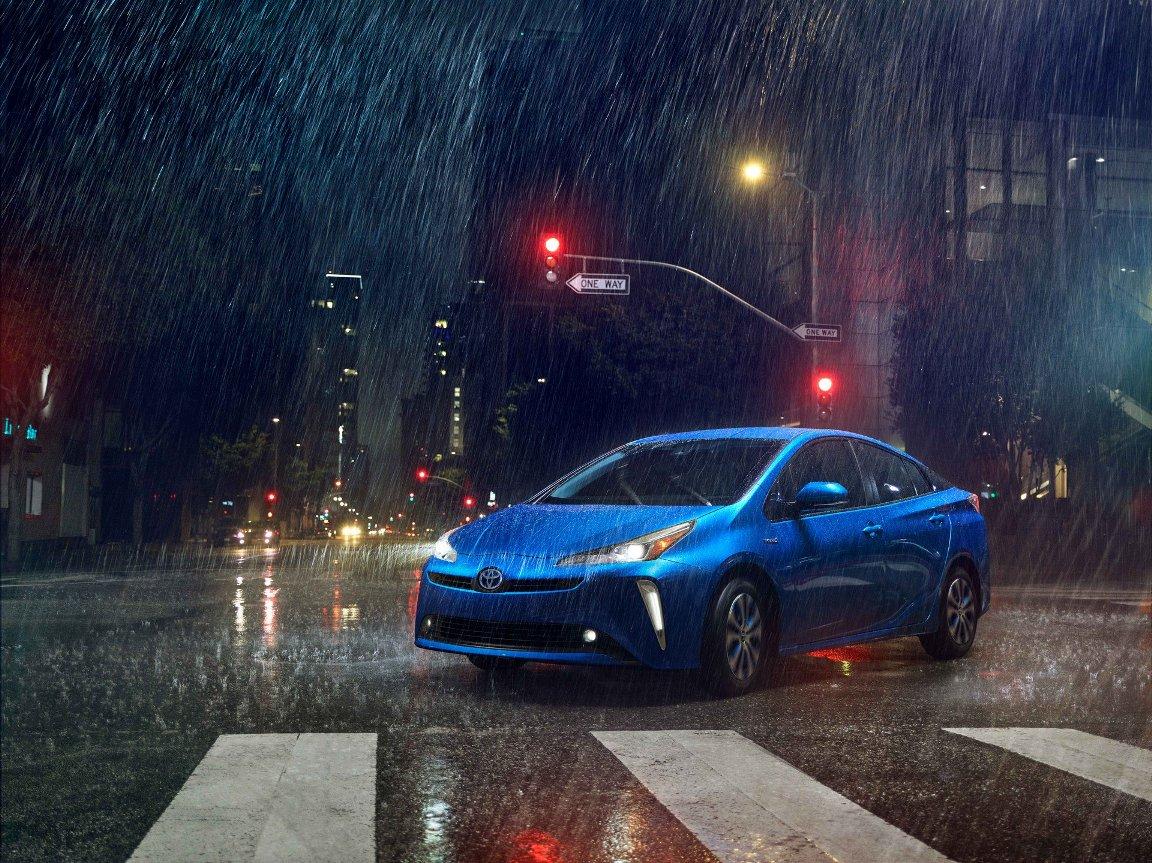 Toyota Prius 2019 Dilengkapi Dengan AWD