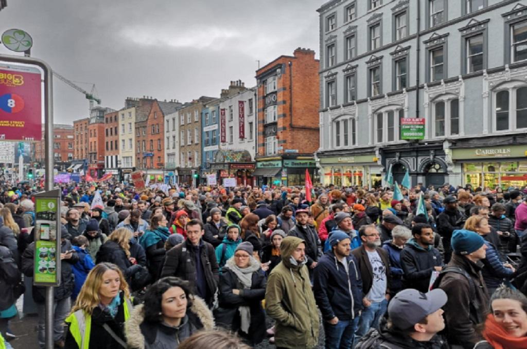 Ribuan Warga Dublin Protes Tingginya Harga Rumah