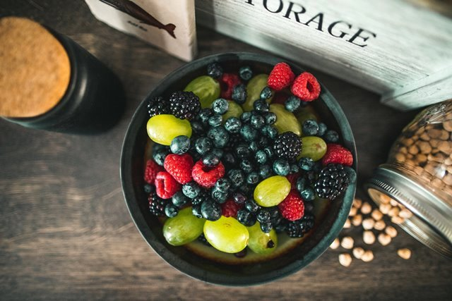 Mengurangi Gejala Menopause dengan Makan Buah dan Sayur