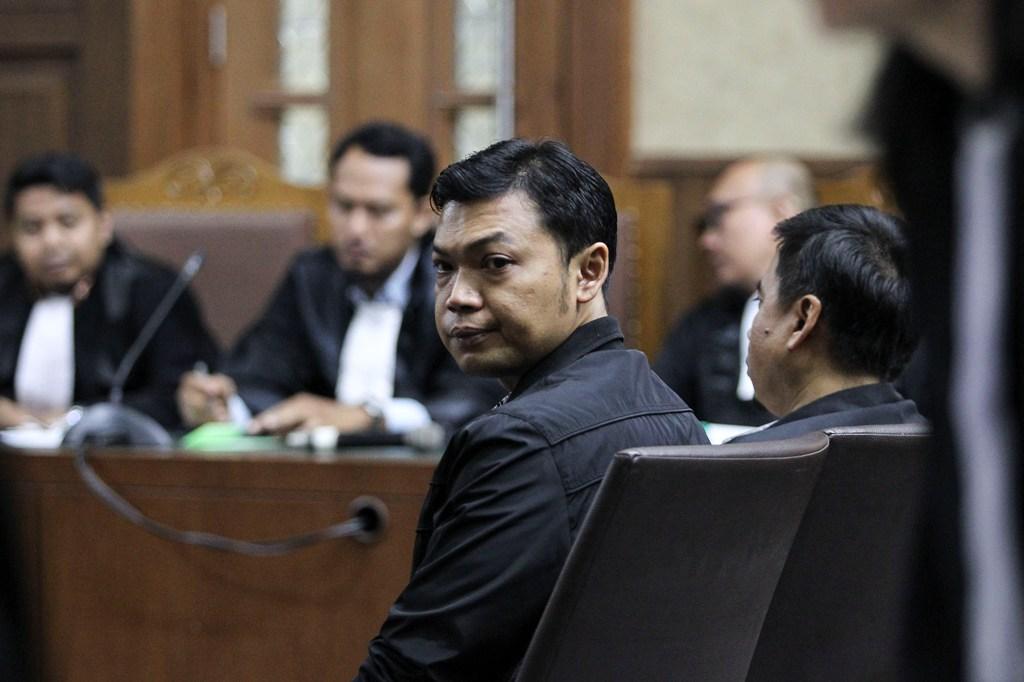 Dua Terdakwa Korupsi Pupuk Divonis 6 dan 7 Tahun Bui