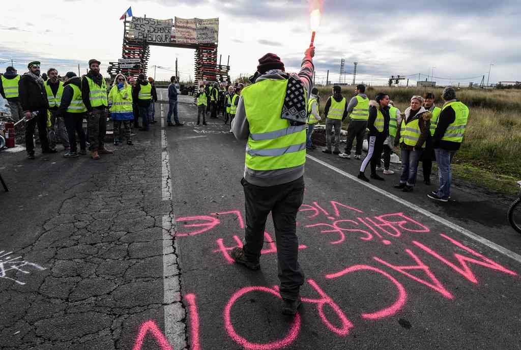 Warga Demo Harga BBM, Presiden Prancis Masih Bungkam