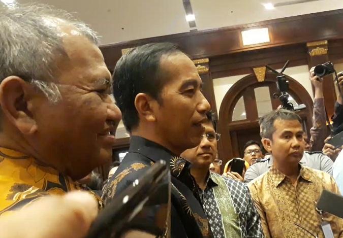 Jokowi Tepis Korupsi di Indonesia Stadium Empat