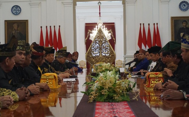 Jokowi to Receive Honorary Title in Riau