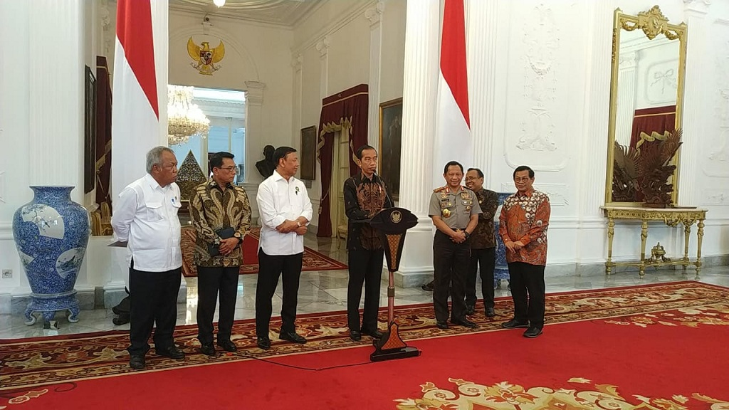 Jokowi: Tidak Ada Tempat untuk Kelompok Bersenjata