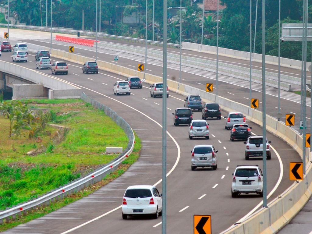 Menteri BUMN Imbau Masyarakat Bantu Percepatan Pembangunan Tol