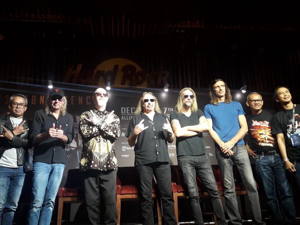 Piyu Padi Rela Berikan Gitarnya untuk Judas Priest