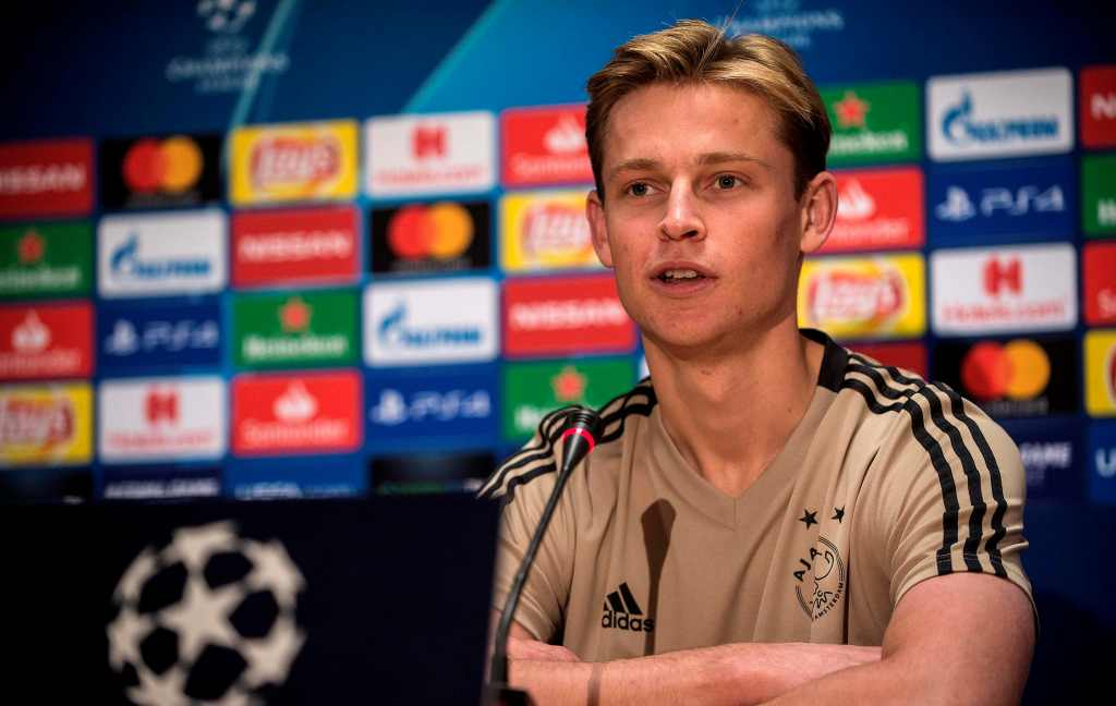 Diincar Banyak Klub Top Eropa, De Jong Bimbang