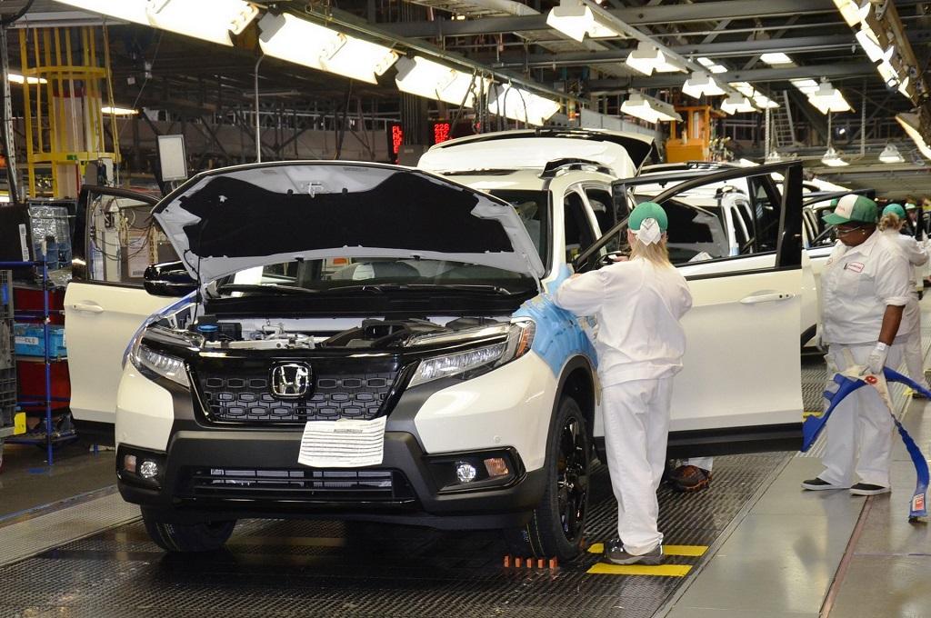 'Kejar Tayang' Honda Kebut Produksi Passport