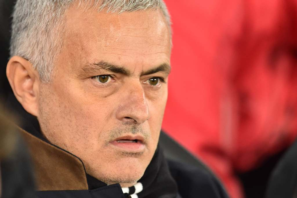 Agen Pastikan Mourinho Bertahan di MU
