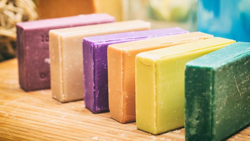 9 Manfaat Sabun Batang Selain Untuk Mandi