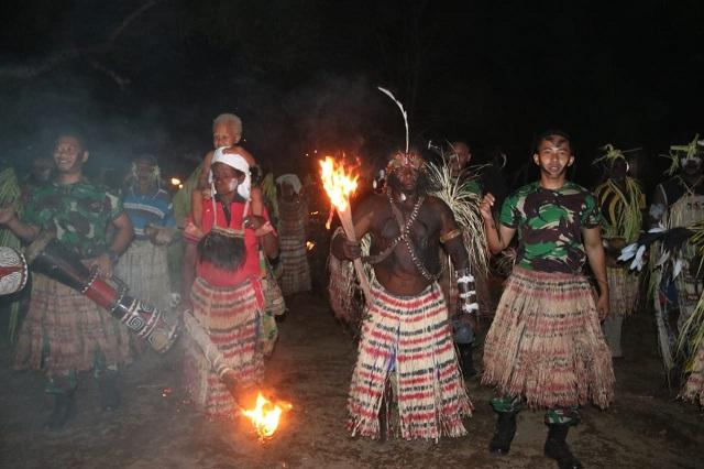 Pesta 12 Jam di Tanah Papua