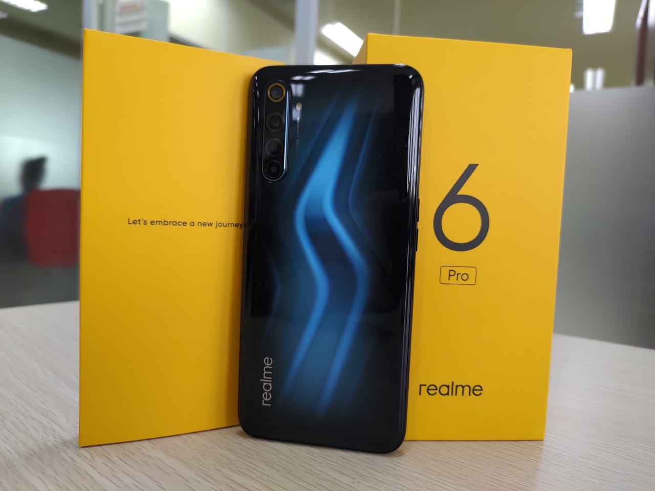 Unboxing realme 6 Pro, Meluncur di Indonesia Bulan Ini - Medcom.id