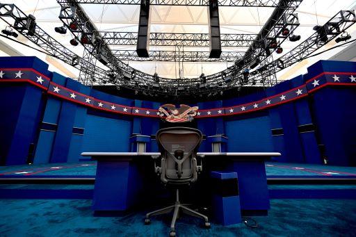 Tak Ada Jabat Tangan di Debat Perdana Biden-Trump