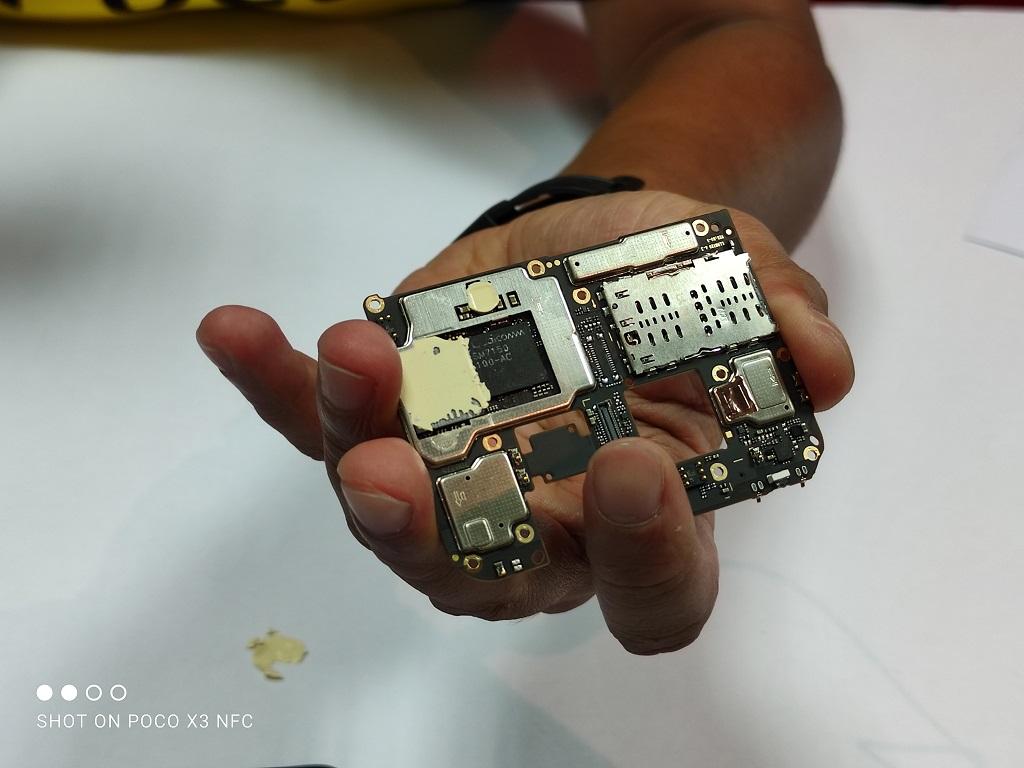 Melihat Komponen Poco X3 NFC