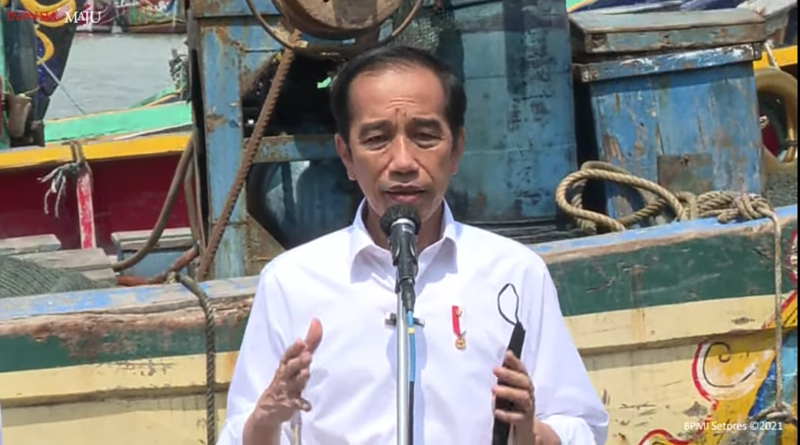 Jokowi Terima Aduan Nelayan Lamongan Soal Pendangkalan Pelabuhan