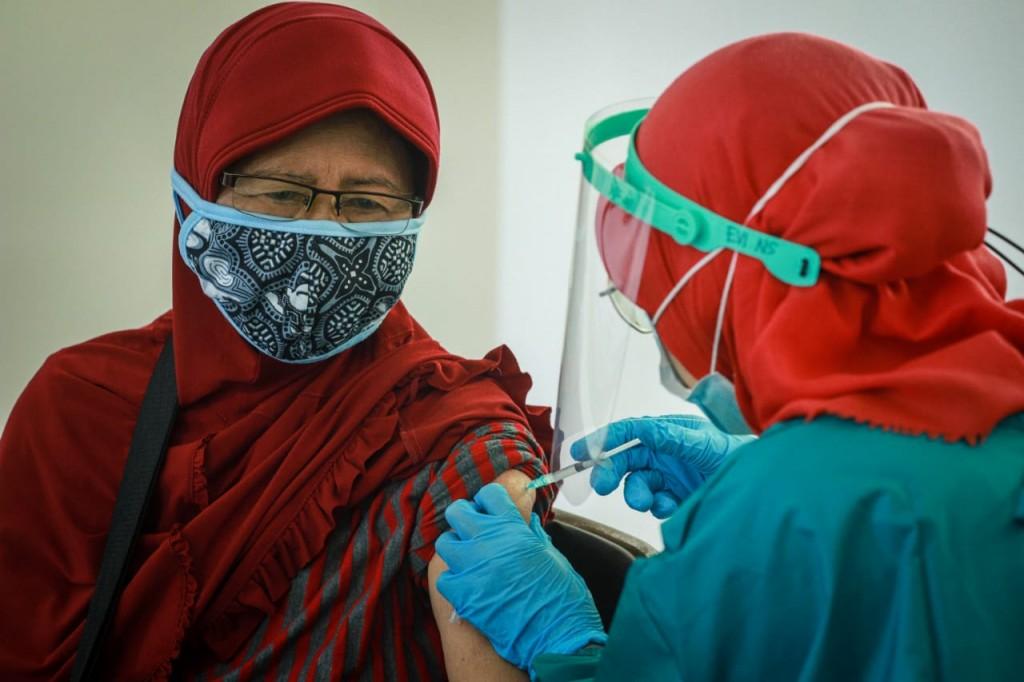 13.699.393 Orang Terima Vaksin Dosis Pertama