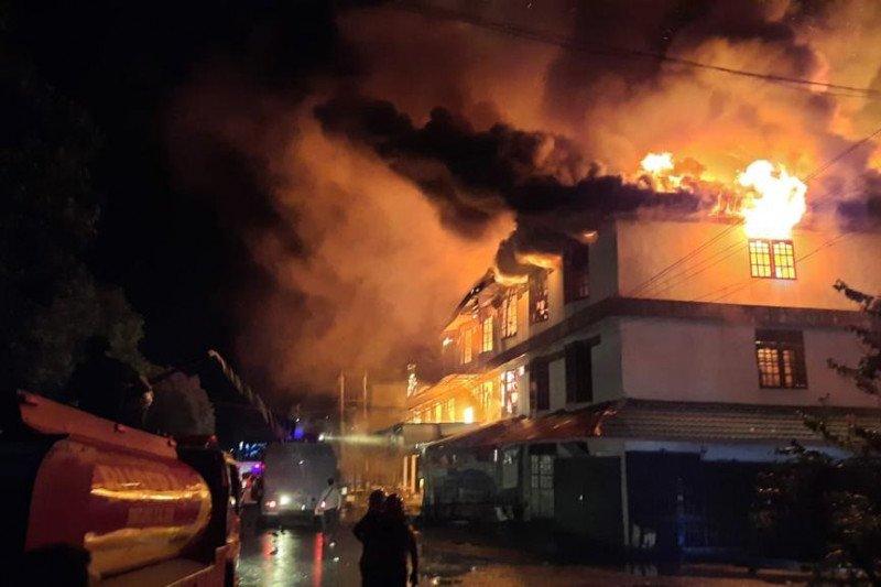 Gedung BPOM Terbakar, 17 Mobil Pemadam Dikerahkan - Medcom.id