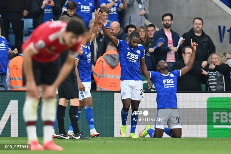 The Foxes Terkam The Red Devils