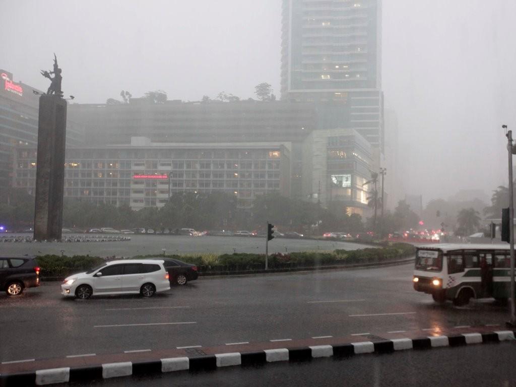 Waspada! Jakarta Berpotensi Diguyur Hujan Lebat Disertai Petir