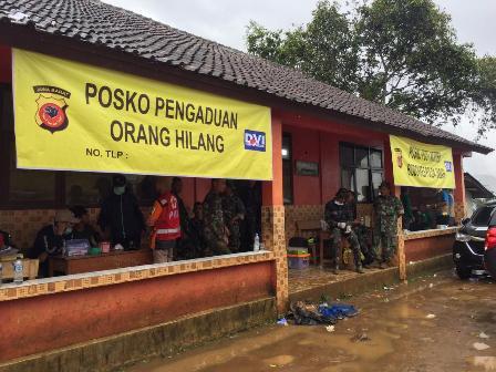Evakuasi Korban Longsor Sukabumi Terkendala Cuaca