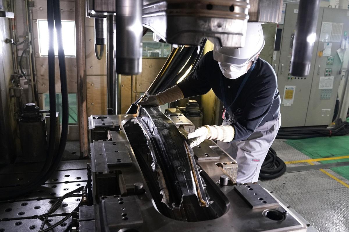 Teknologi Mobil Balap Jadi Standar Mobil Nissan Masa Depan