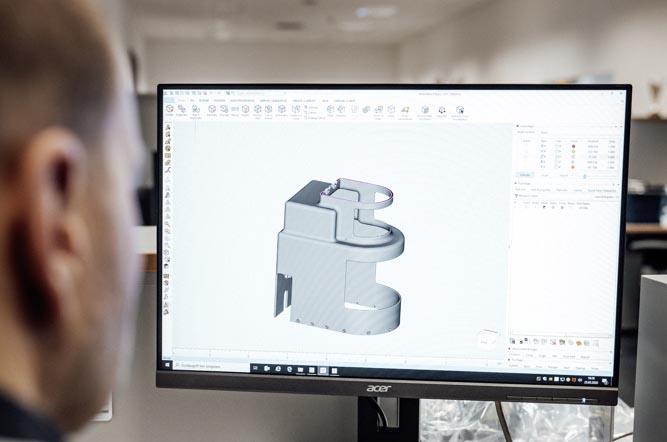 Dukungan Teknologi Printer 3D Mercedes-Benz untuk Melawan Covid-19