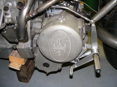 Mencangkok Mesin V6 Maserati ke Motor Custom