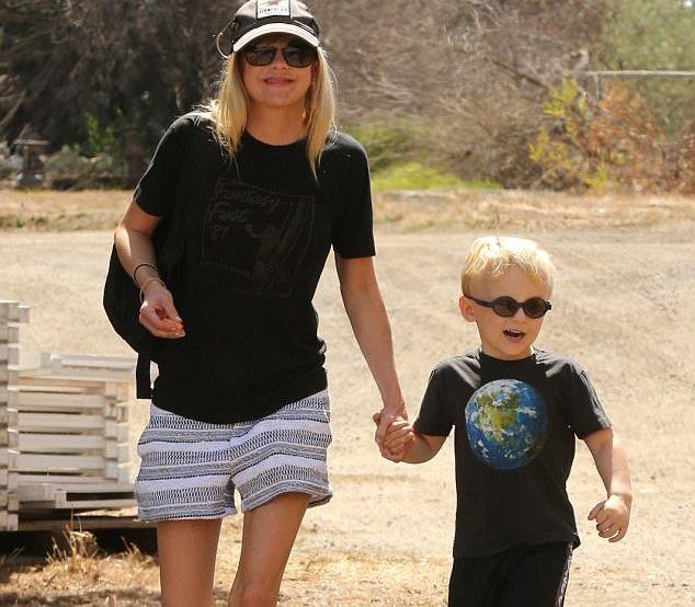 Chris Pratt dan Anna Faris Menghabiskan Waktu Bersama Sang Anak