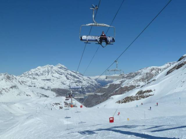 Lift Ski Paling Ekstrem di Dunia