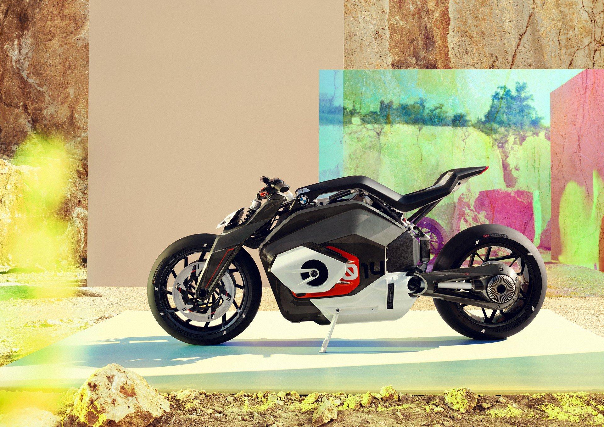 BMW Motorrad Vision DC Roadster Datang dari Masa Depan