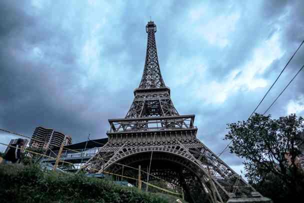 Menara 'Eiffel' Pindah ke Kolombia