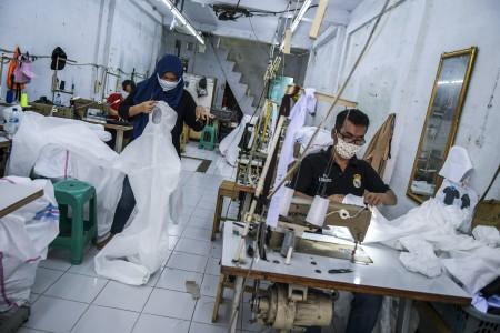 Dinkes Cirebon Kesulitan Dapatkan APD