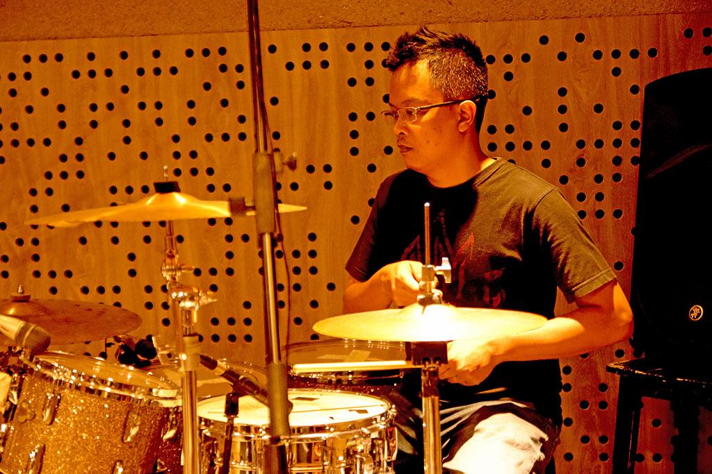 Wawancara Eksklusif Anton Mantan Drummer Sheila On 7