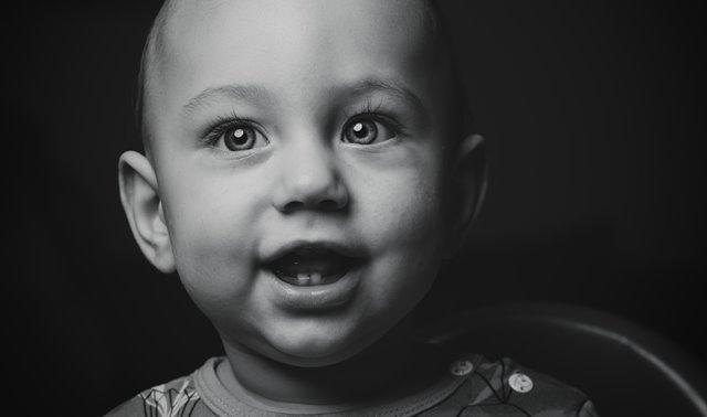 Cara Merawat Gusi dan Gigi Susu Bayi