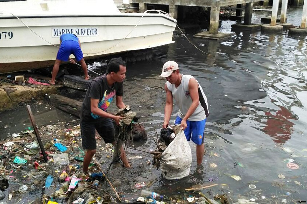 Di Karimunjawa, Sampah Plastik Diolah Jadi Solar
