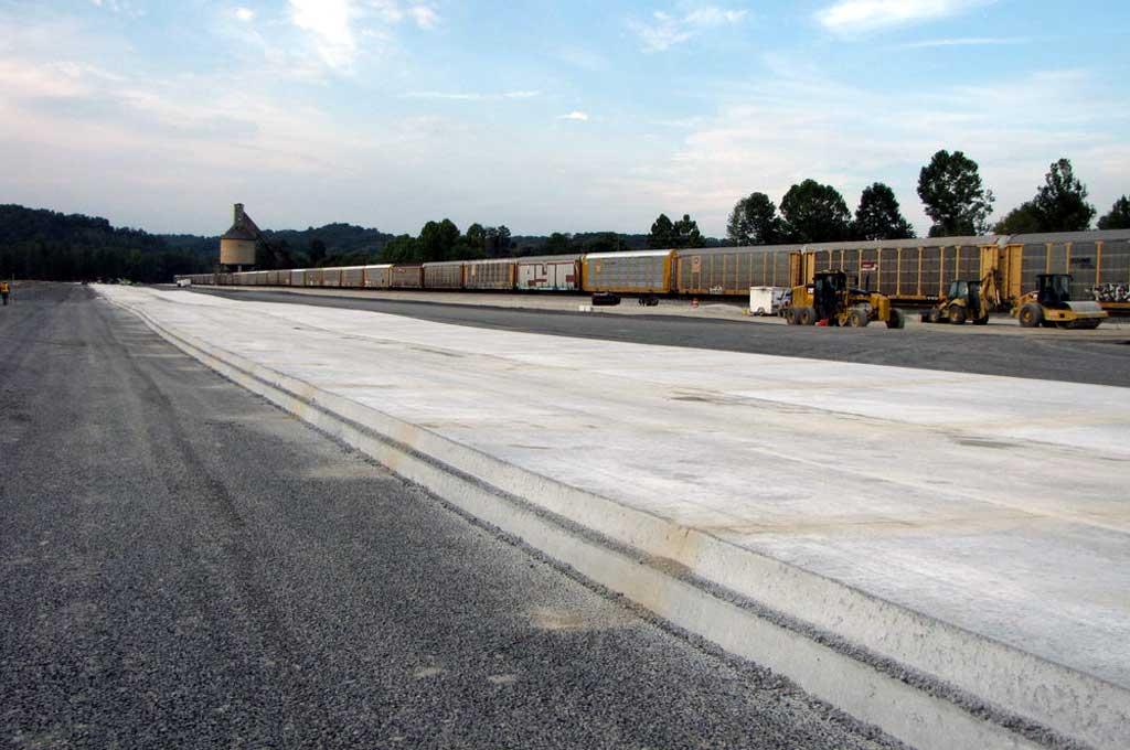 Benarkah Jalan Beton Bikin Ban Cepat Gundul?