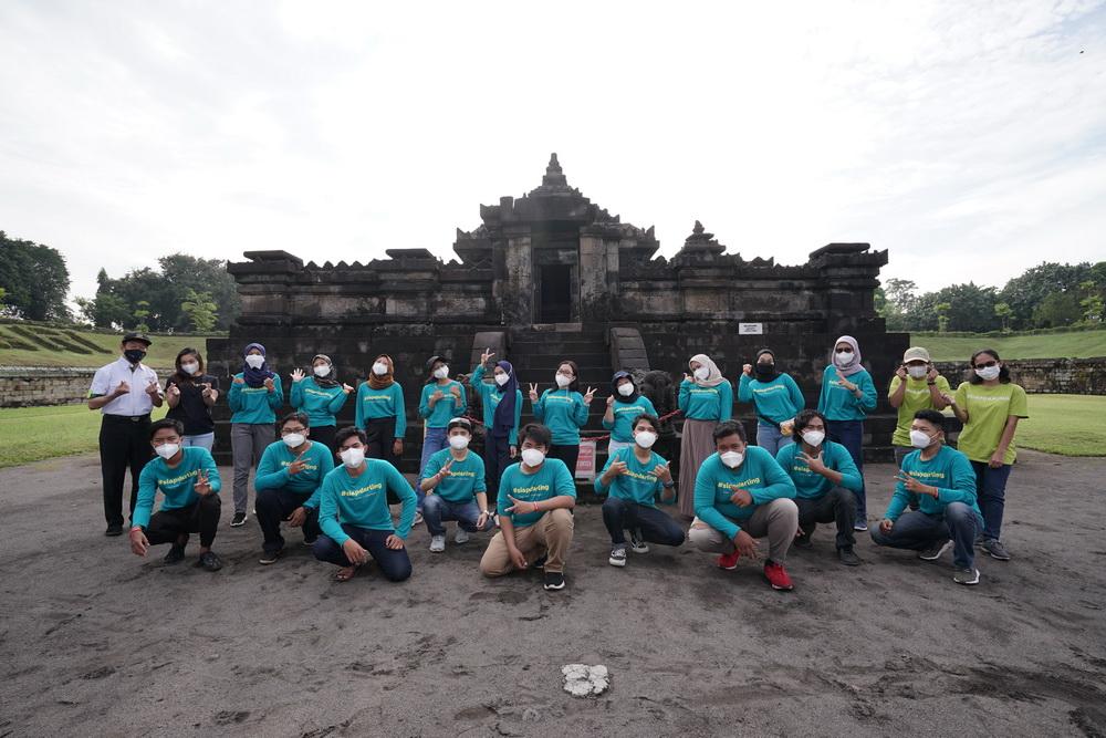 Kunjungi Tiga Candi, Ramon Tungka Belajar soal Kerukunan Umat Beragama