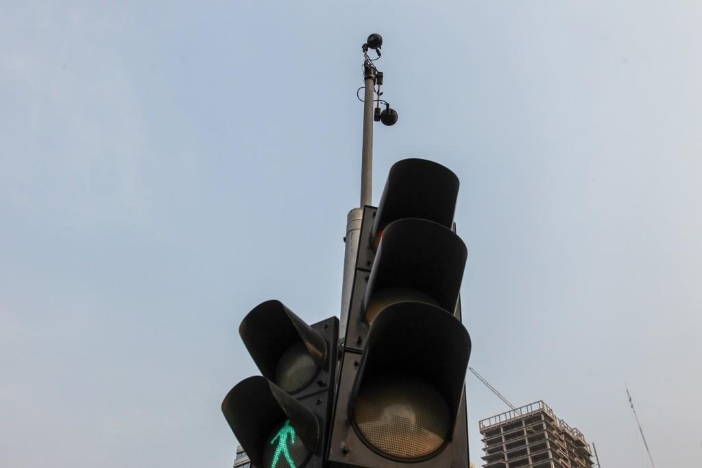 Pelat Nomor Berwarna Putih Mudah Dikenali CCTV