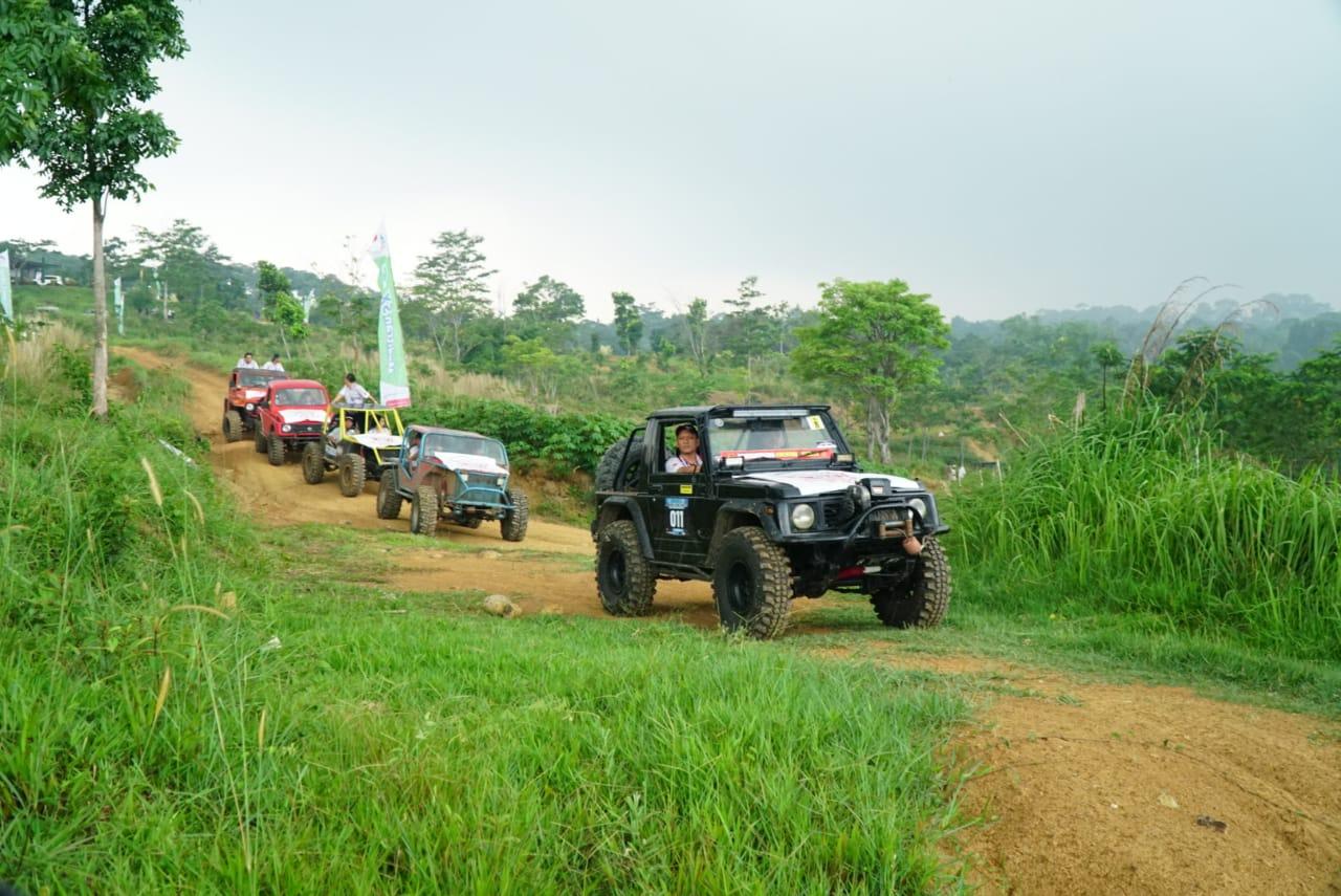 Komunitas Otomotif 'Main Tanah' Bareng Jurnalis 4x4