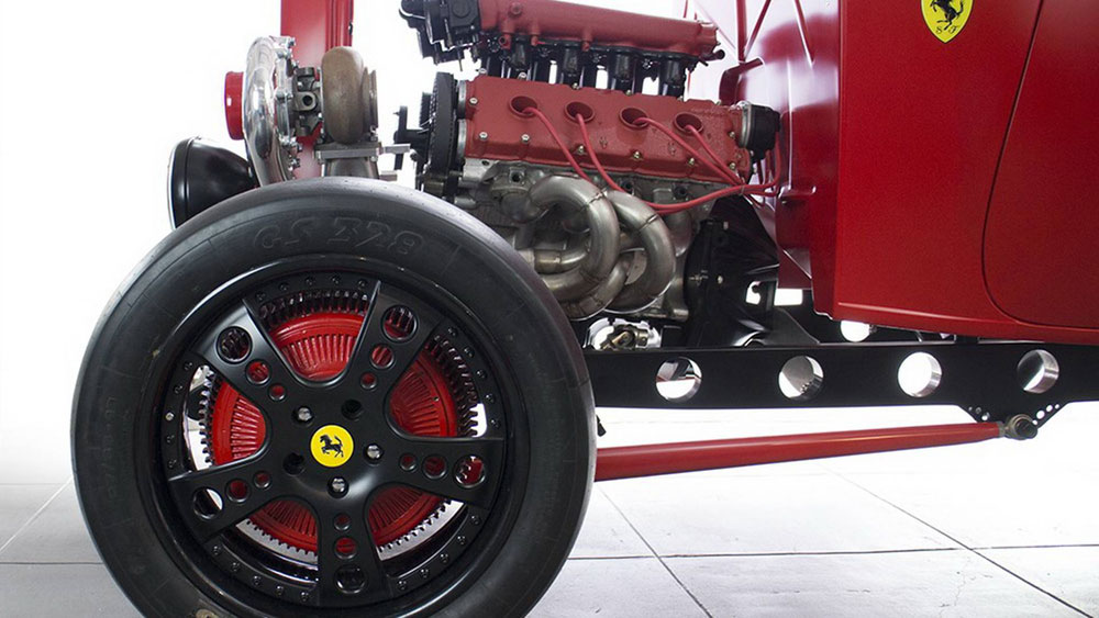 'Fordrari', Ford Klasik Bermesin Ferrari V8