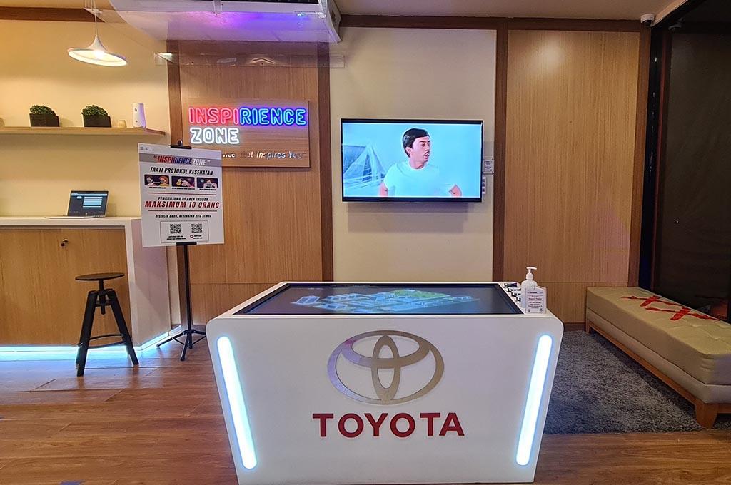 Gak Mau Kalah, Toyota Bangun Showroom di Mall