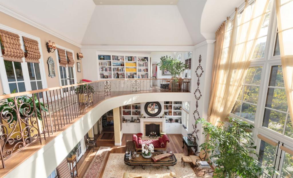 Gene Simmons Jual Rumah Mewahnya Seharga Rp323 Miliar