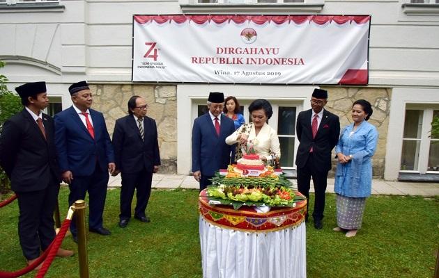 HUT ke-74 RI di Wina, Dubes Djumala Serukan Persatuan
