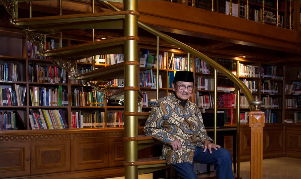 Mengenang Eyang Habibie Melalui Perpustakaan Habibie & Ainun dan Hobi Membaca