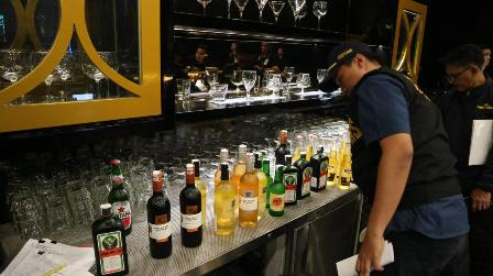 Ribuan Botol Minuman Keras Disita Bea Cukai Malang
