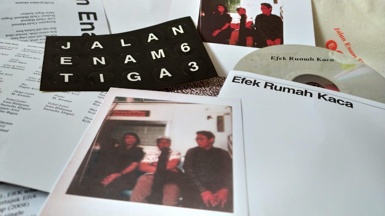Unboxing Album Baru Efek Rumah Kaca, Jalan Enam Tiga